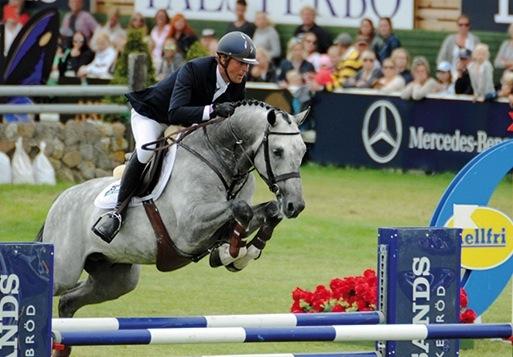 Magnus Österlund-Comfortuna VDL 1292 6-åringar, hoppning Falsterbo Horse Show 2015-07-12 (c) Foto: Yvonne Karlsson (Fotografens namn ska anges vid publicering)